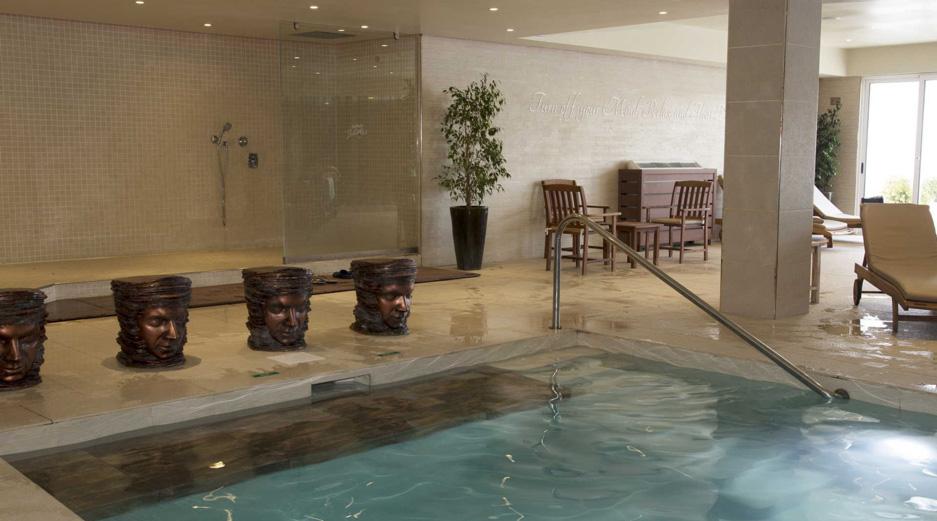 AX Sunny Coast Resort and Spa - Indoor Pool