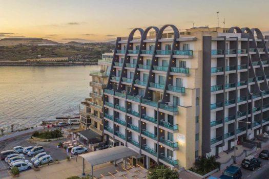 AX Sunny Coast Hotel Façade
